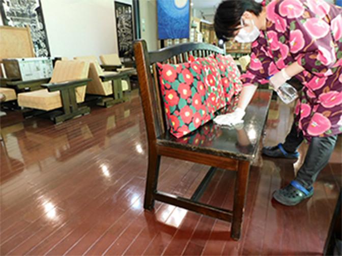 テーブル・椅子等共用スペースの消毒
